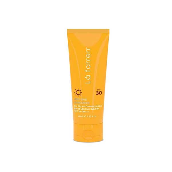 کرم ضد آفتاب SPF30 پوست چرب لافارر ضد لک و بدون رنگ 40 میلی لیتر